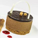 Pure chocolade mousse met gezouten caramel cilinder